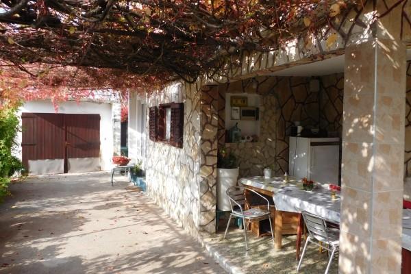Ražanac,kuća,300 m od mora